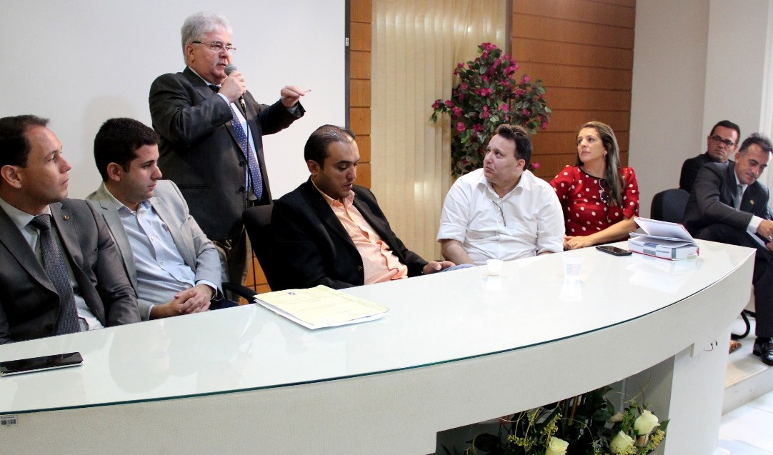 Resultado de imagem para Comissão de Justiça derruba vetos do Executivo